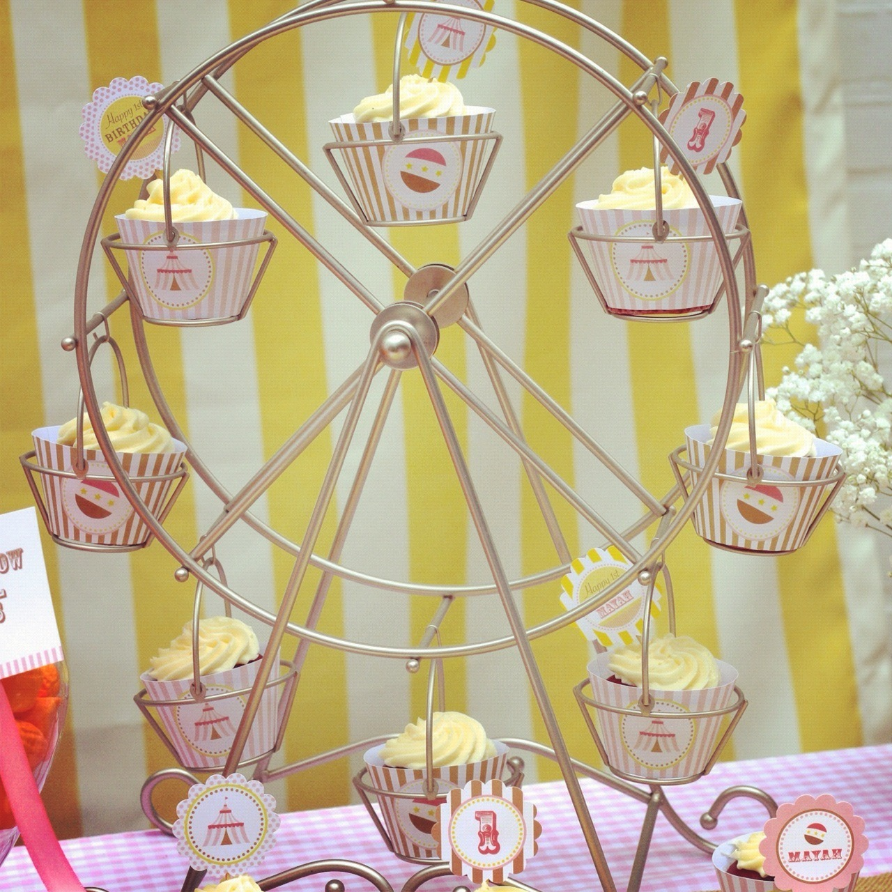 Wheel-Cupcake-Holder