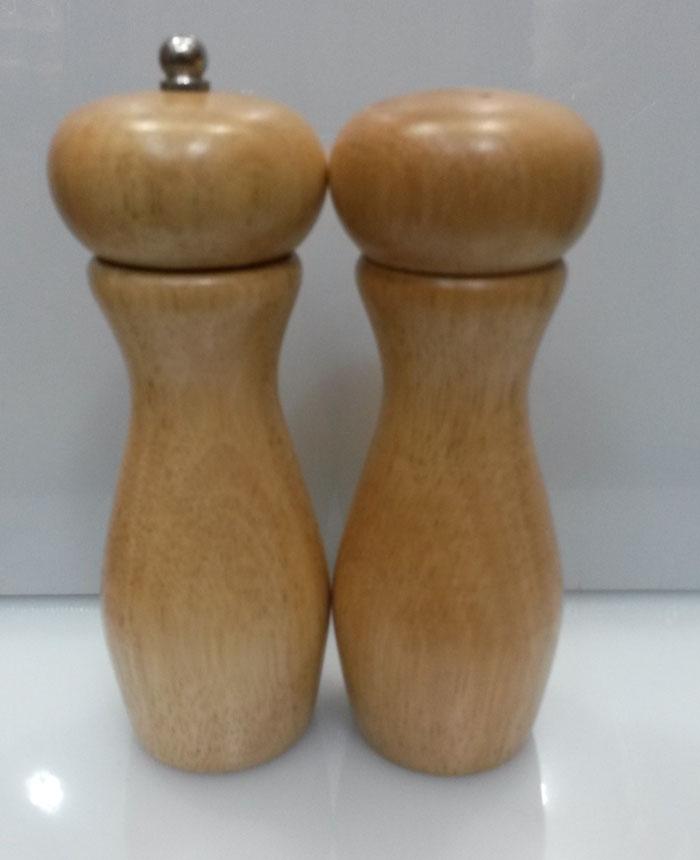 wood-salt-shaker-papper-grinder-set-7-inch-price-in-pakistan-1