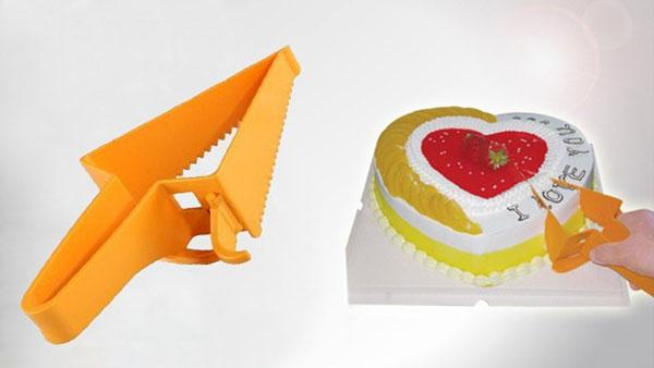 Triangle Design Adjustable Cake Cutter and Cake Server