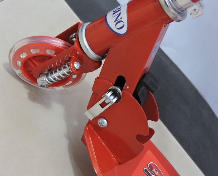 Cars Lightning McQueen Flashing Wheel Scooty For Kids