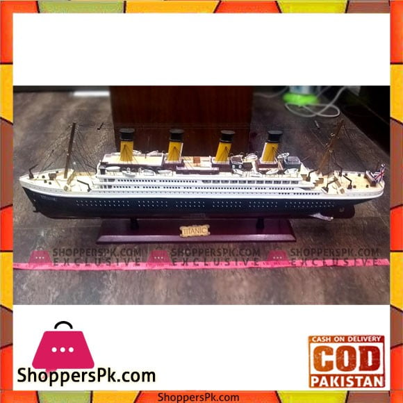 High Quality Wooden Material Titanic with Light